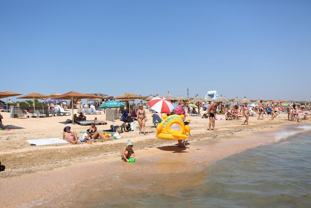 Горячий пляж жжёт фото 310-131